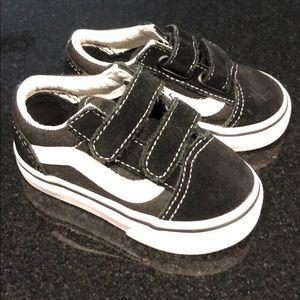 Vans baby size 4